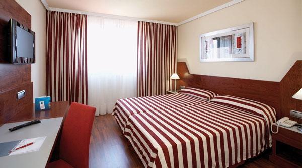 Chambres h tel frontair congress airport sant boi de llobregat - Hotel chambre familiale barcelone ...